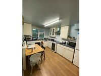 3 BEDROOM MAISONETTE TO RENT IN BOW WITH GARDEN!