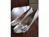 Ivory wedding heels size 6