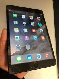 iPad mini space grey 16gb WiFi used clean condition