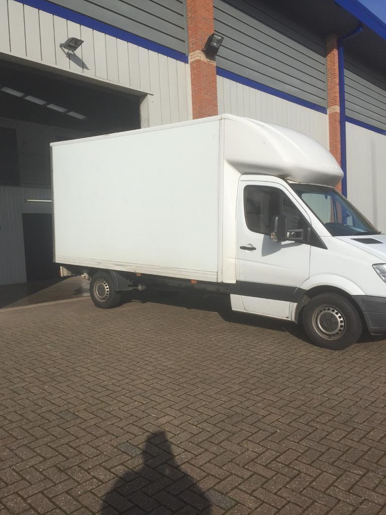 b0f902e140 Man and van removals