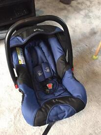 Car Seat/Carrier: Perfect Condition with extraa