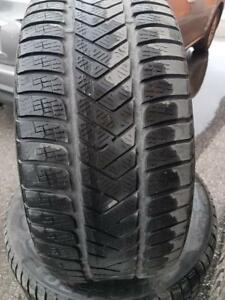 4 PNEUS HIVER - PIRELLI 245 45 18 - 4 WINTER TIRES