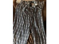 BNWT Next size 22 wide leg patterned trousers