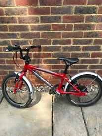 Cnoc 16 Isla Bike Red in good condition