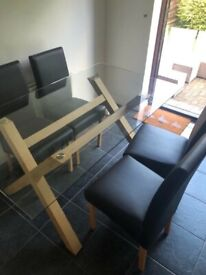 Design Dining table with 4 chairs