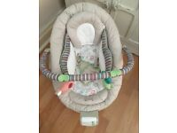 Comfort Harmony Vibrating/music baby bouncer
