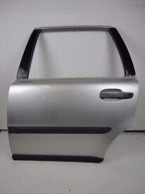 VOLVO XC90 02-06 Rear Left Passenger N/S Door In Silver 426-26 Ref 88039