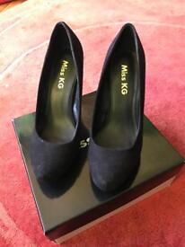 Kurt Geiger Court shoes - size 7