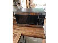 Microwave selling due to having new kitchen no marks excellent condition £50