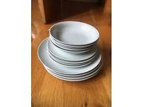 WHITE DINNER SET - 4 PLATES, 4 SMALL PLATES & 4 BOWLS (5)