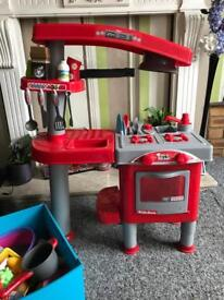 Children's kitchen and accessories