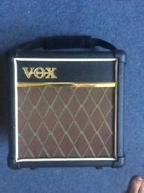 Vox Mini 5 (DAV 5) - Busking Amp - Battery powered or Mains