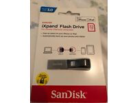 Sandisk iXpand 32gb Flash Drive for IPhone Brand New