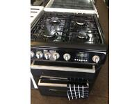 Black Hotpoint 60cm ceramic hub electric cooker grill & oven good looking with guarantee