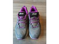 Ladies Asics size 5/38