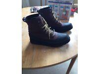 Mens SOREL waterproof boots in size UK8
