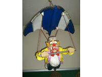 A Flying Clown -Hang Gliding !