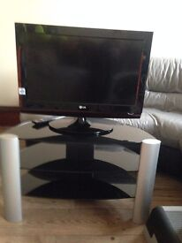 """LG 26"""" TV with built in Freeview and DVD and glass stand"""