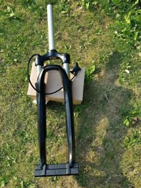Suntour SR with remote lockout lever in very good condition.