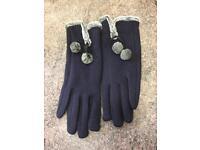 Gloves pom poms