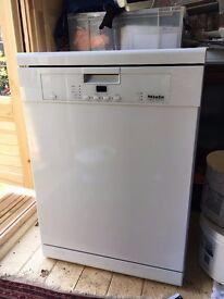 Miele G4210 Freestanding Dish washer