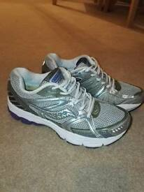 Saucony ladies running shoes size 6.5