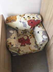 Toddler arm chair