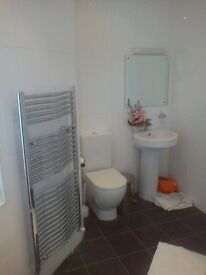 2x Newly furbed, spacious DOUBLE ensuite rooms to rent from £350 - £430
