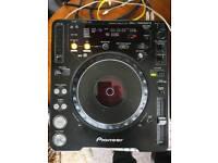 Pioneer CDJ's 1000 MK3 pair + Sennheiser Headphones