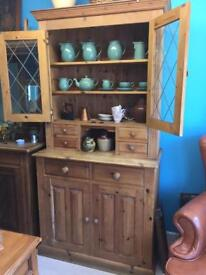 Beautiful pine dresser, can deliver