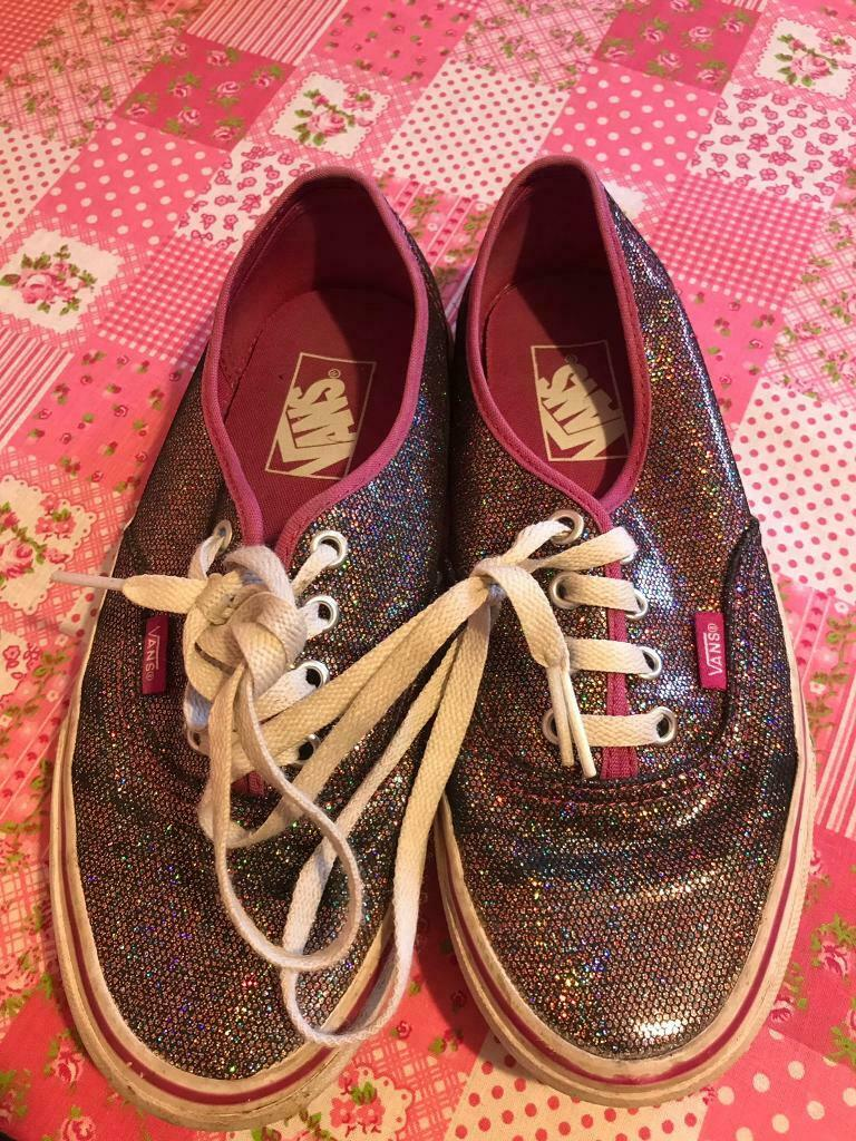 36229a1d3bc Ladies trainers size 5