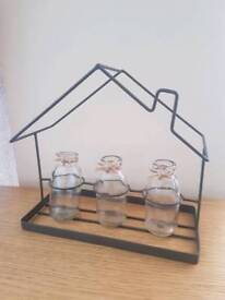 Metal framed small vase holder