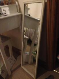 3 foot x 1 foot mirror for sale good condition £5