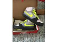 Men's Nike size 8.5