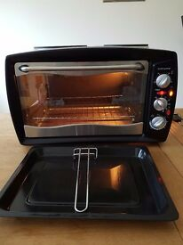 Table top oven with hot plates