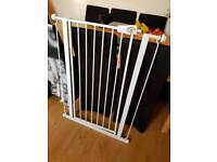 Extra tall pet pressure fittings stair gate