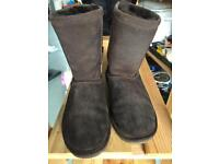 Bearpaw Women's Suede Boots Brown size 3