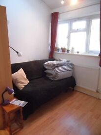 Short term double in modern 2bd flat near Uni and Hospitals (incl. bills) available 1st June!