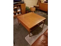 SOLID LARGE OAK COFFEE TABLE