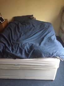Double bed in very good conditions - less than 2 years