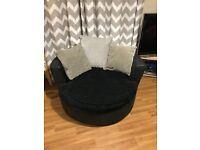 Round spinning chair