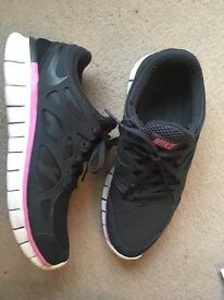 Women's Nike Free rung 2 size 7 Trainers