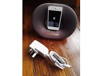iPod Touch 32Gb and Phillips Fidelio music / sound dock