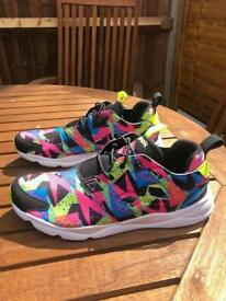Reebok Furylite Multi Windbreaker Trainers / Sneakers Unisex (UK 9)