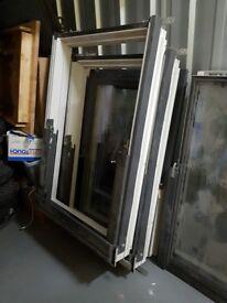 2x VELUX GGL MK06 (78CM X 118CM) ROOF WINDOW BLINDS