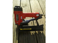 Air nailer / stapler guns with nails and staples