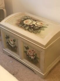 Beautiful Chest and side table, cream colour with rose flower pattern
