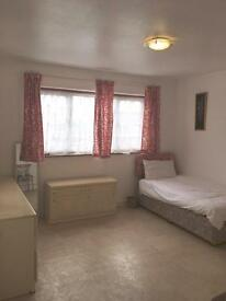 Single room with bills and wifi included
