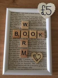 Small bookworm frame