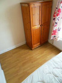 Good size cozy Single room available in Ilford London